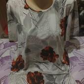 Шикарная яркая с разноцветным принтом блузка цветы переливаются серебром.xxl,3xl,4xl.Лотов мно