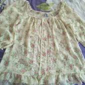 Легка блузка на 52р.