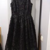 Фирменное нарядное платье, р-р XS-S. Состояние хорошее.