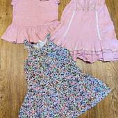 три фирменных платья одним лотом на 2-4 года