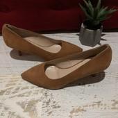 Туфлі-лодочки, із натуральної замші,від Minelli,розмір 37
