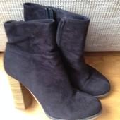 Розпродаю чорні черевики ботинки туфлі ботильони