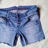 Timezone джинсовые шорты.размер W28 L32.в отличном состоянии
