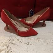 Туфлі із натуральної замші,від Minelli,розмір 38