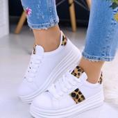 Стильные белые кеды на платформе.Удобно и красиво! 37-40размеры(24-25,5см)