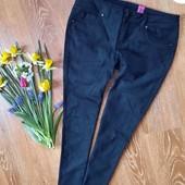 Класні джинси розмір 10/38