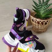 р34-20.8см круті кросівки надзвичайно легенькі та стильні кросівки