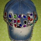 Красивая стильная джинсовая кепка весенняя, козырек со стразами р-р 50-54, регулируется