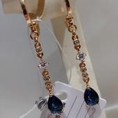очень красивые серьги-висюльки с фианитами и синим алпанитом, позолота 585 пробы