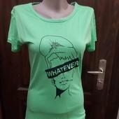 Классная футболка яркая)))самый модный цвет этого лета