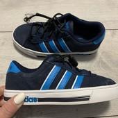 Замшевые кроссовки Adidas оригинал 29 размер стелька 18 см ( на бирке 17,5 см)