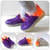 Яркие ,красивые,удобные кроссовки! Отличное качество!Размер28, 30,32