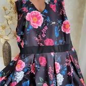 Очень красивое, новое платье !!! Размер 26-28 (54-56)