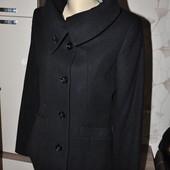 ЛоВи ЛоТы! шерсть. Классическое пальто с красивым воротником.