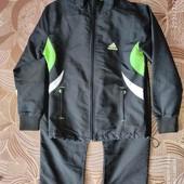 Спортивный костюм фирмы Adidas