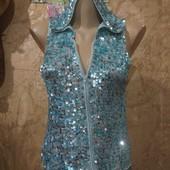Шикарная с капишоном и разноцветными поедками стречь блузка.Вискоз100%.m,l,xl. Лотов много