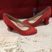 Туфлі із натуральної замші,від Minelli,розміри 37,38,40