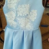 голубое нарядное платье на 6-8 лет.