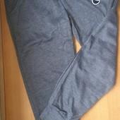 Спортивные штаны для девочки. На рост 134-140 Замеры в описании