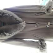 Эллегантное пальто р. 36, М, с натуральным мехом.