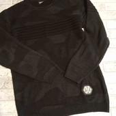 фирменый свитер