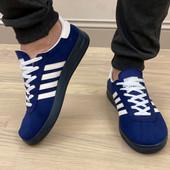 Кроссовки в стиле Адидас на шнуровке,легкие,качественные.