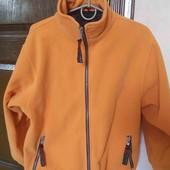 тепла спортивна куртка..