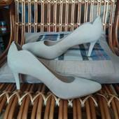 туфлі жіночі 37р