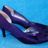 Туфли на каблуке Kelly & Katie 36 размер (13)