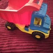 Грузовая машина для ребенка.