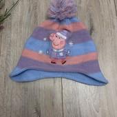 Зимняя шапка для девочки 4-5 лет. В хорошем состоянии.