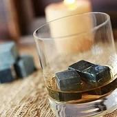Камні для віскі або інших напоїв.охолоджують