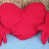 Подушка обнимашка сердце