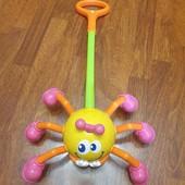 Игрушка для детей «Паучок на ручке» товарной марки B kids, музыкальная каталка