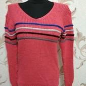 Красивый свитер, один на Ваш выбор!