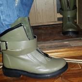 Ботинки кожаные цвета хаки 36р,можно подростку!!!