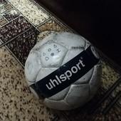 качественный футбольный мяч Uhlsport