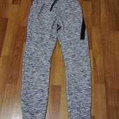 Теплі спортивні штани джогери на 10-12 років