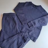 Утепленный костюм:свитшот и джогеры ,мальчику 128-134 рост