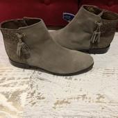 Ботинки із натуральної замші,від Minelli,розмір 37